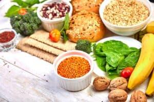 Consumeren van vezels zonder koolhydraten