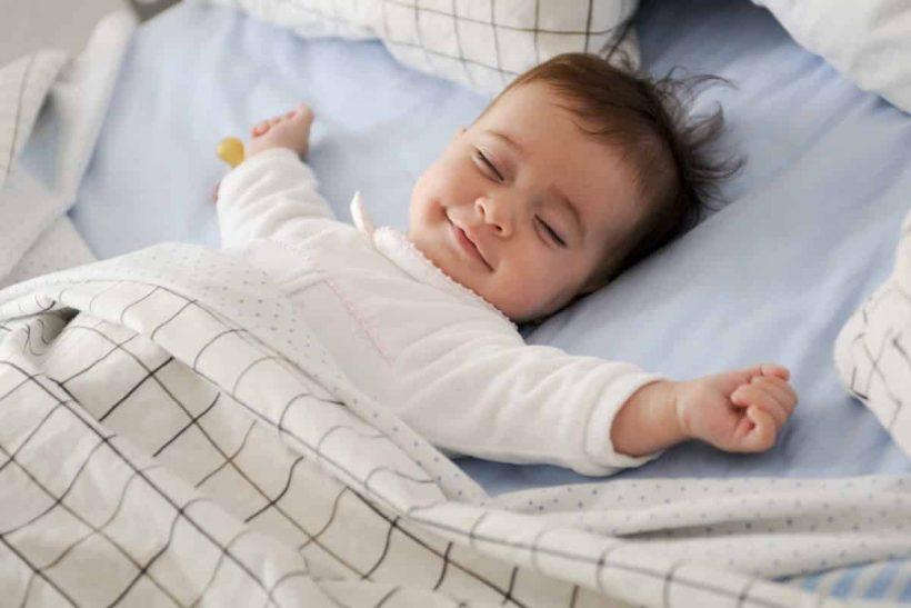 Je baby wil niet slapen hulp met voeding