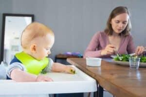 Spinazie als voeding kan baby die niet wil slapen helpen