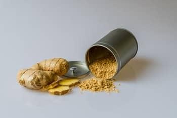 kurkuma supplementen komen van de geelwortel